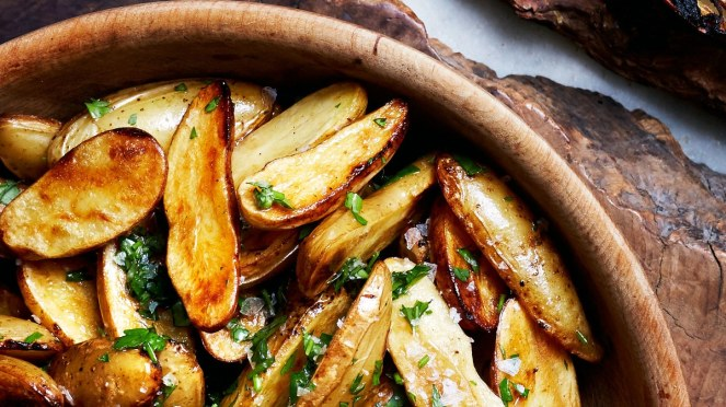 lemon-and-parsley-skillet-roasted-fingerling-potatoes